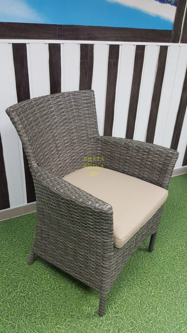 Фото - Плетеное кресло из искусственного ротанга Nina natur
